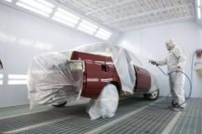 Технология покраски автомобиля диктует четкие параметры рабочего помещения